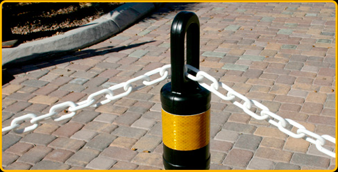White Chain, through Ring-Top Post